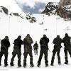 Setcases, 11/04/2012. Cazadores de Montaña realizando un ejercicio de sondeo en las inmediaciones de la estacion Vallter 2000. Fotografia: Javier Corso