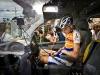 Robert Gesink, del equipo holandés Rabobank (RAB) en una ambulancia después de herirse la muñeca y la pierna en un accidente el 8 de julio de 2009 durante la quinta etapa del Tour de Francia. (Koen Van Weel / AFP / Getty Images)