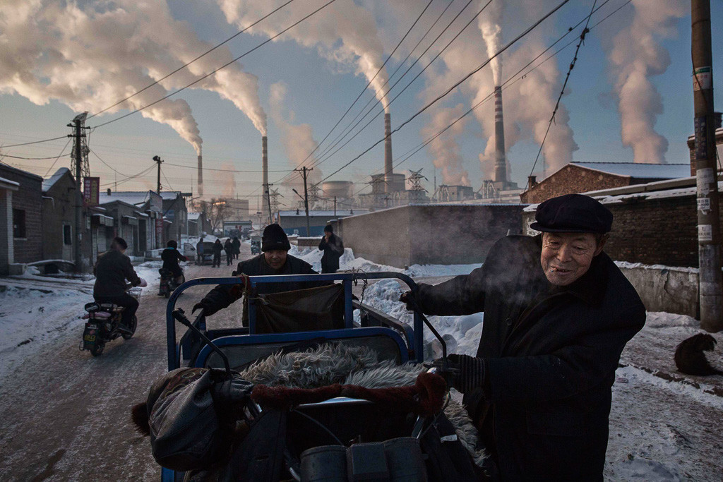 Daily Life, 1st prize singles Kevin Frayer, Canada, 2015, Getty Images, China's Coal Addiction