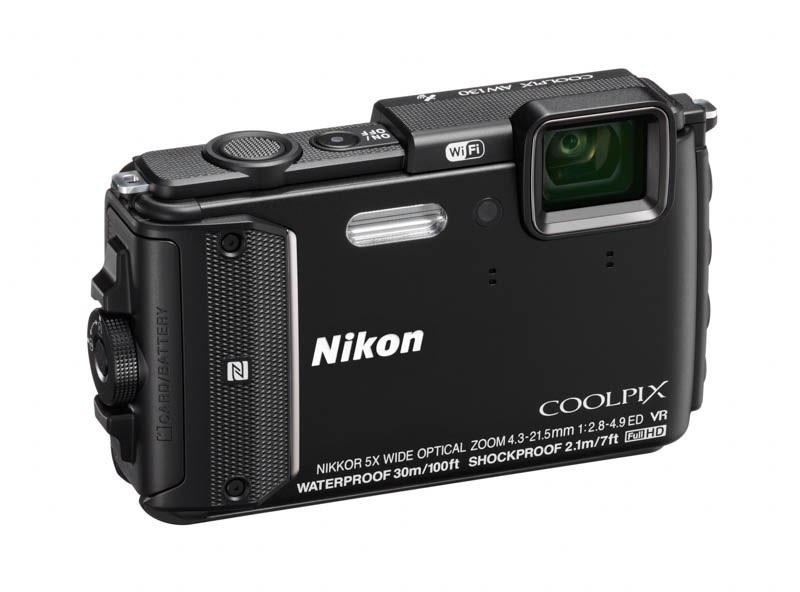 Nueva Nikon Coolpix AW130, resistente al agua hasta los 30 metros