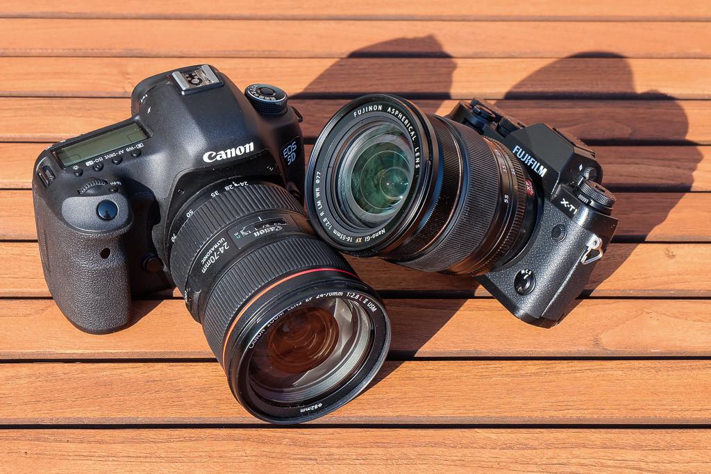 Canon-5D-vs-Fuji-Xt1_