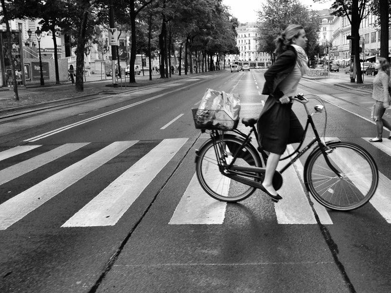 Fujifilm X20 – f/3,2 – 1/125 – ISO200 Como en muchas otras grandes capitales de Europa, la bicicleta es el medio de transporte mas usado para recorrer las calles de esta histórica ciudad.