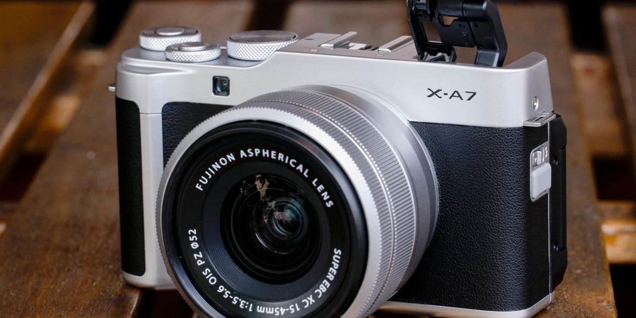 Fujifilm X-A7, nueva mirrorless compacta, ligera y fácil de usar