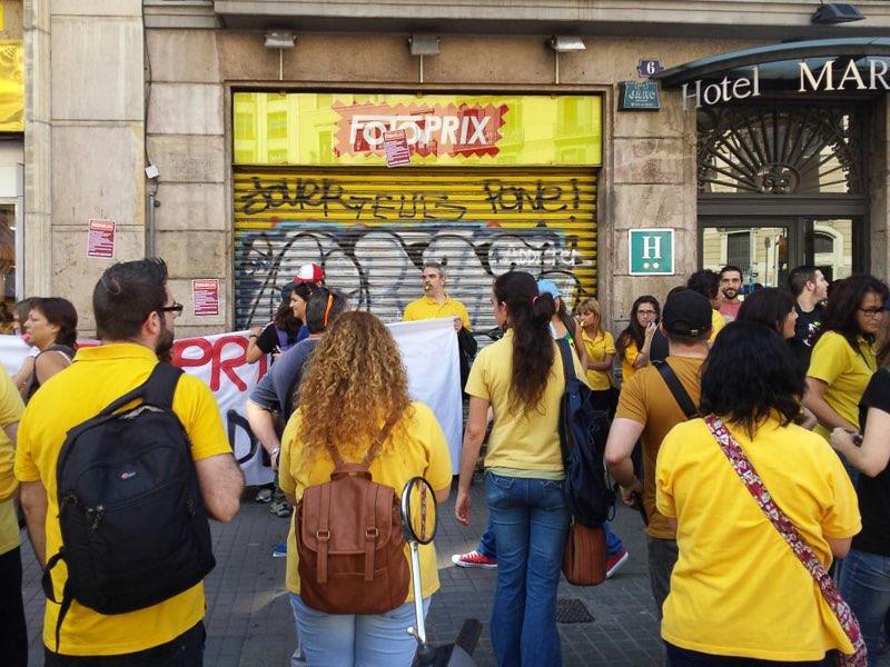 Huelga indefinida de los empleados de Fotoprix