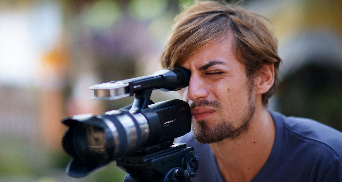 La primera videocámara HD de consumo del mundo con objetivos intercambiables