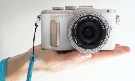 Olympus presenta la PEN E-PL8 como una cámara para blogueras