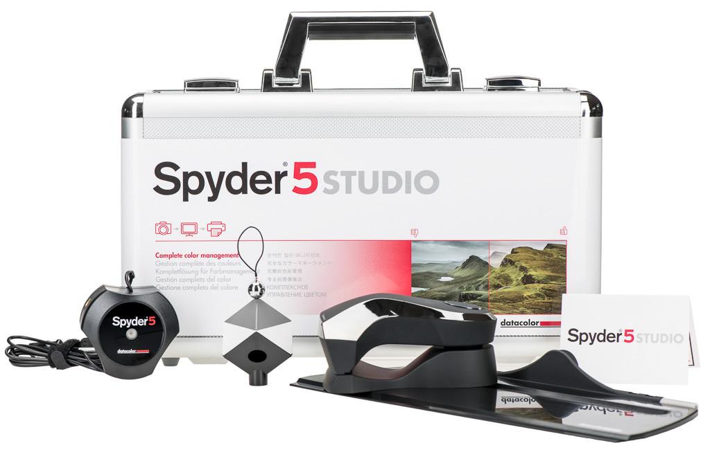 Spyder5Studio_packaging_frontside_with tools kopieren