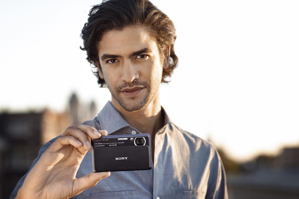 Sony lanza las primeras cámaras fotográficas compactas del mundo con barrido panorámico 3D