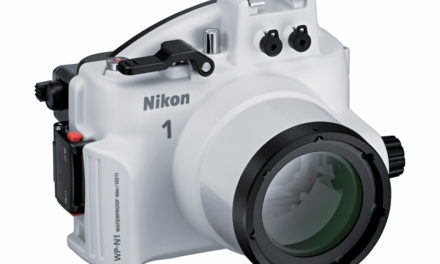Objetivo 1 NIKKOR 11-27.5mm f/3.5-5.6 y carcasa subacuática WP-N1