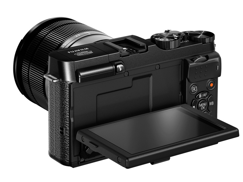 X-M1_Black_Back_Right_16-50mm_Tilt_LCD_90