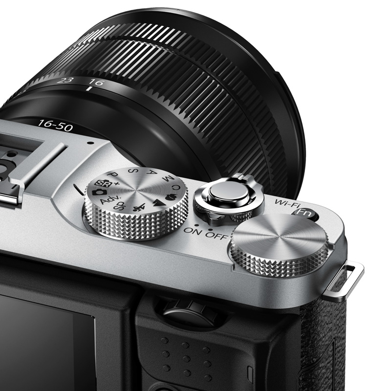 X-M1_Silver_Dial_Close_up