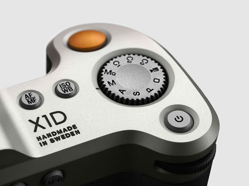 X1D_Details-RearHighClose34_Grey_v009 jpg