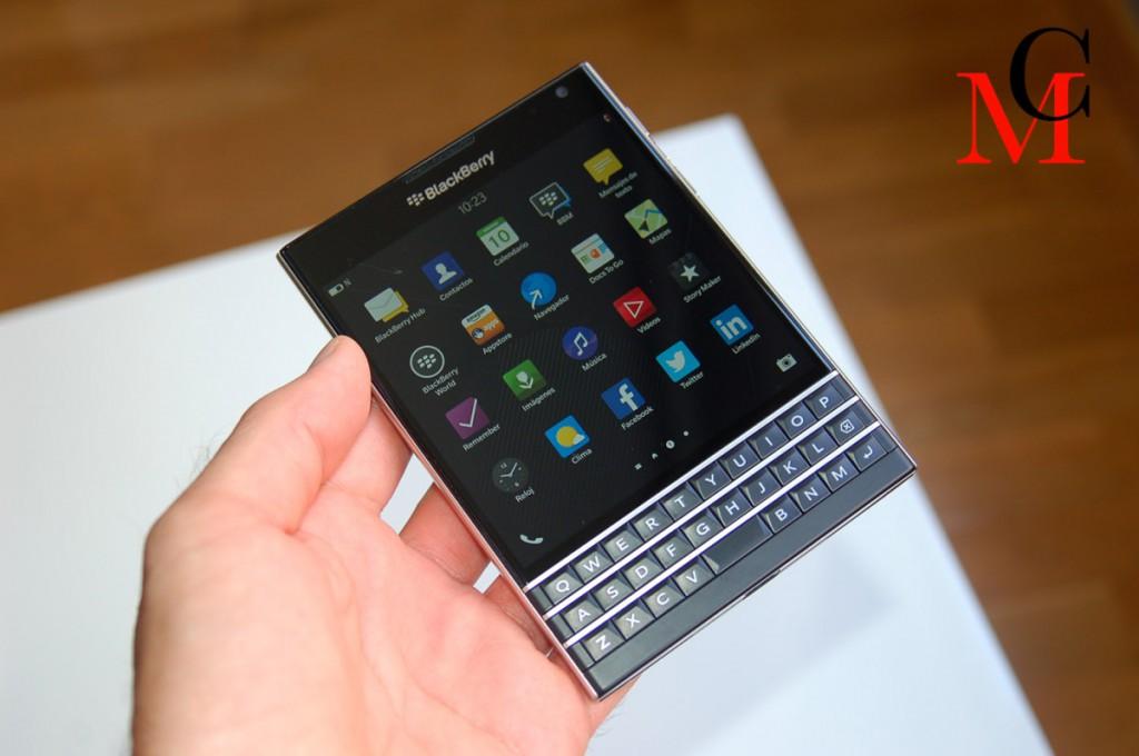 blackberry_passport_1