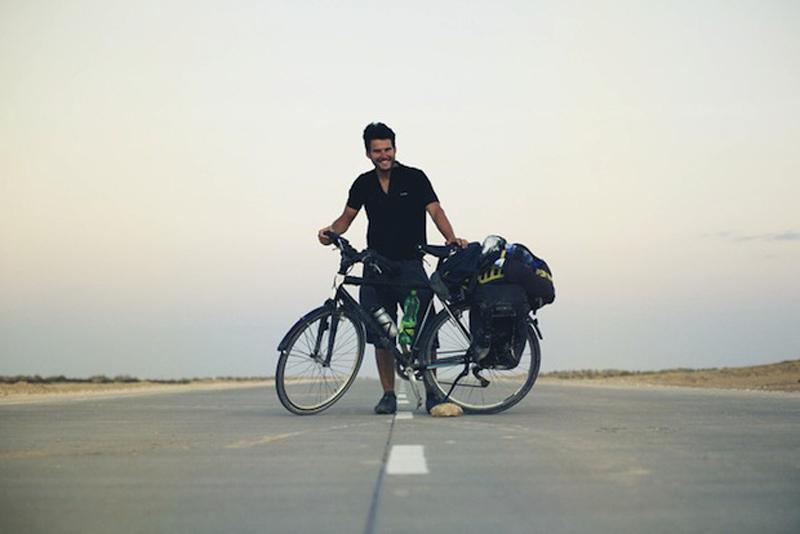 Recorrer el mundo en bicicleta, y en fotografías